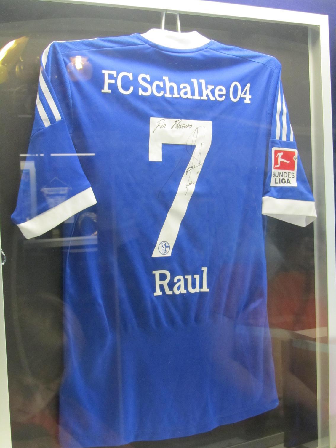 Trikot von Raul im Schalke-Museum
